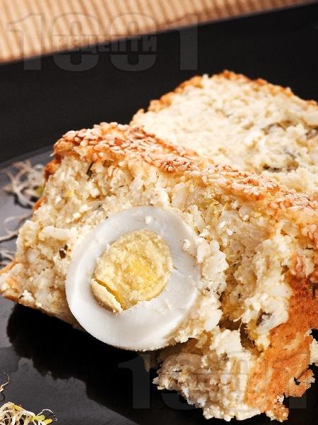 Домашен зеленчуков солен кекс с варени яйца и тиквички - снимка на рецептата